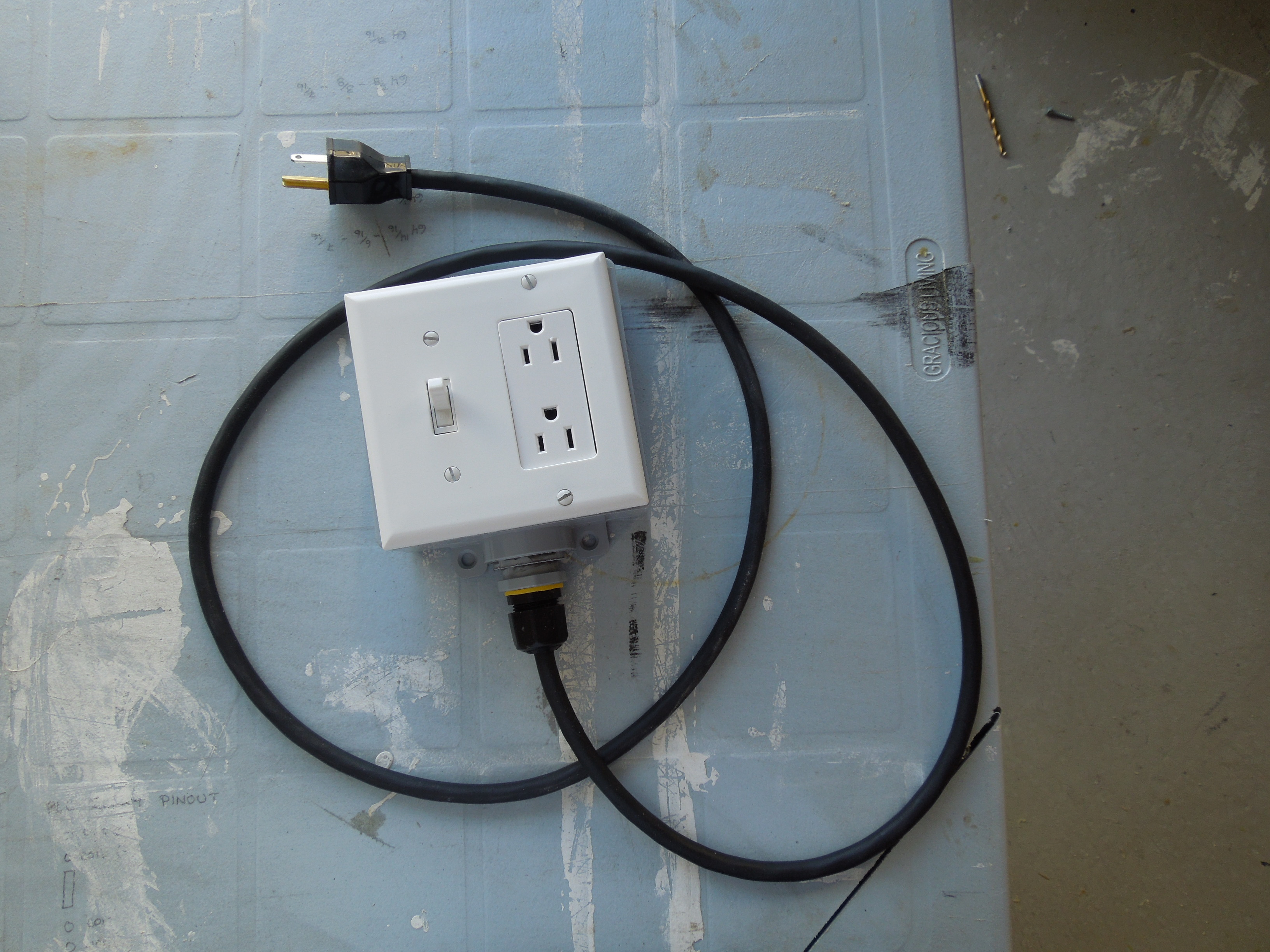 DIY Extension Cord With Built in Switch - Safe, Quick and Simple