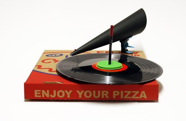 Makedo Pizza Box Gramophone