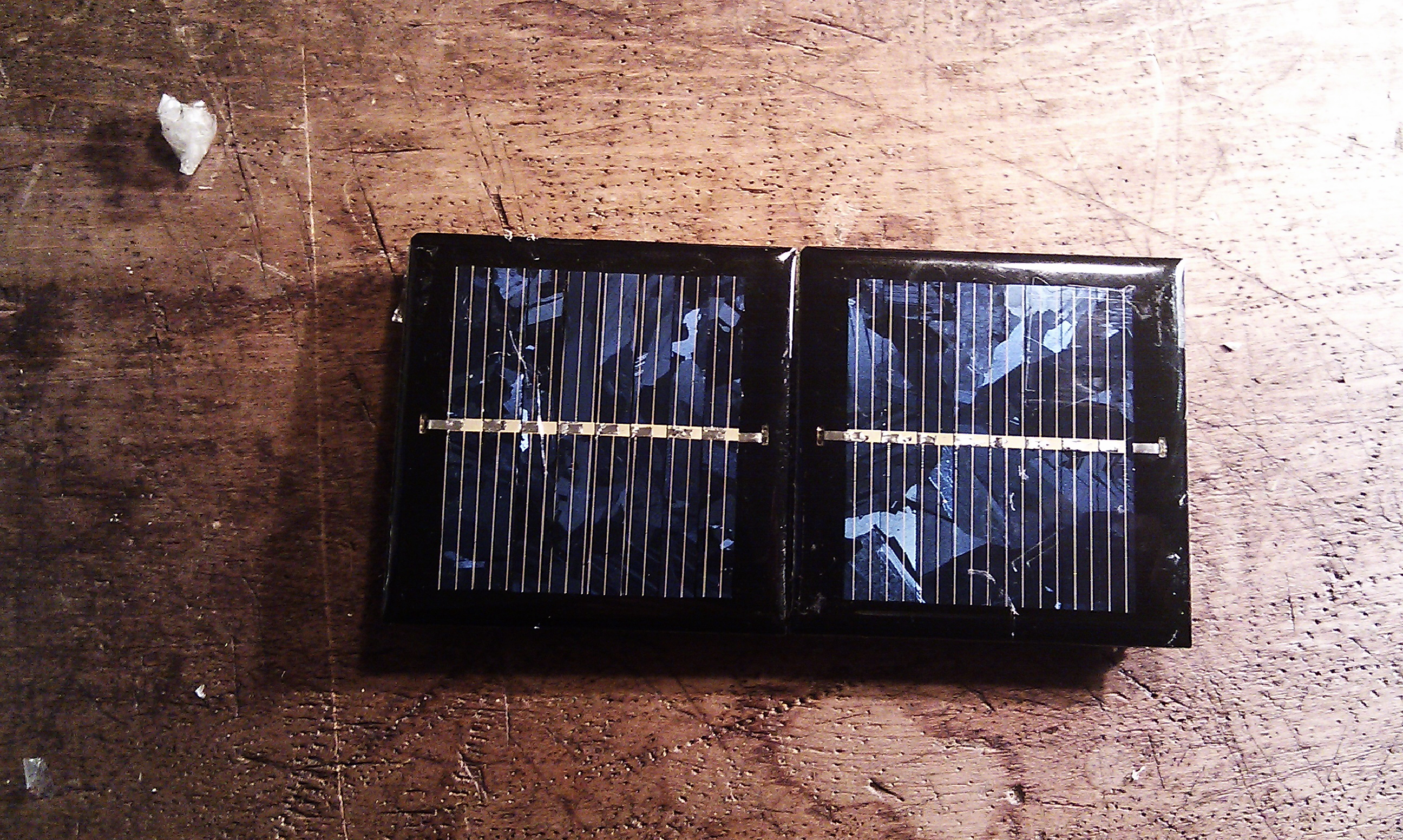 Solar Powered USB Charger (phones, MP3 players etc)