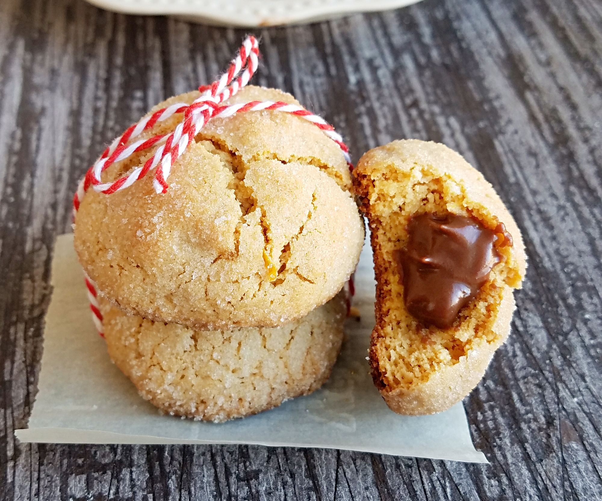 Chocolate filled almond butter cookies