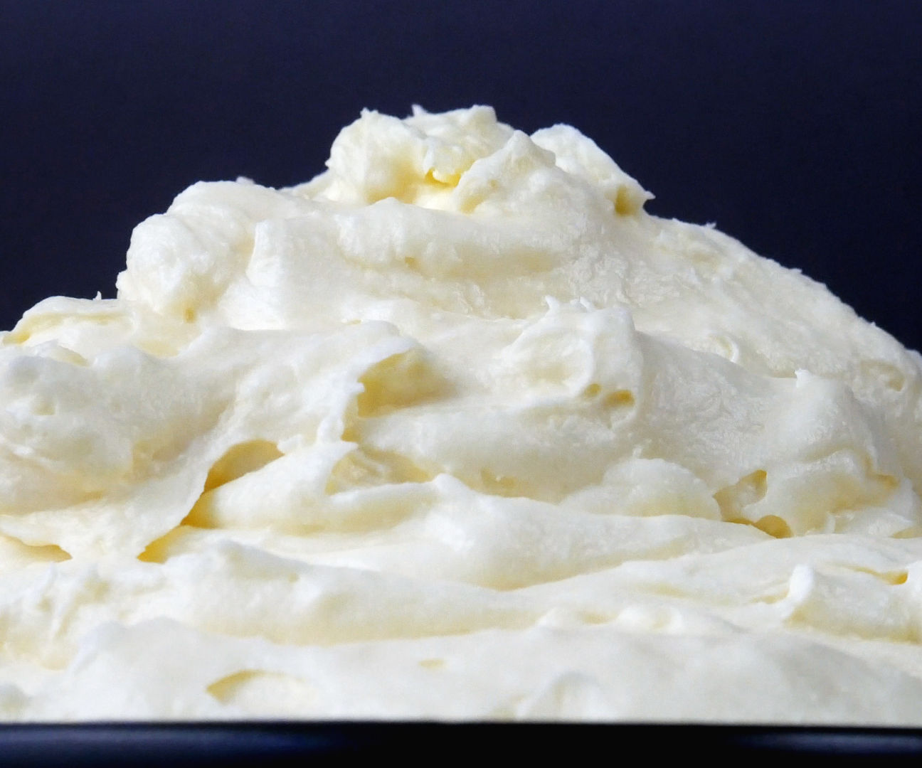 PERFECT CREAM CHEESE FROSTING (ICING / BUTTERCREAM)