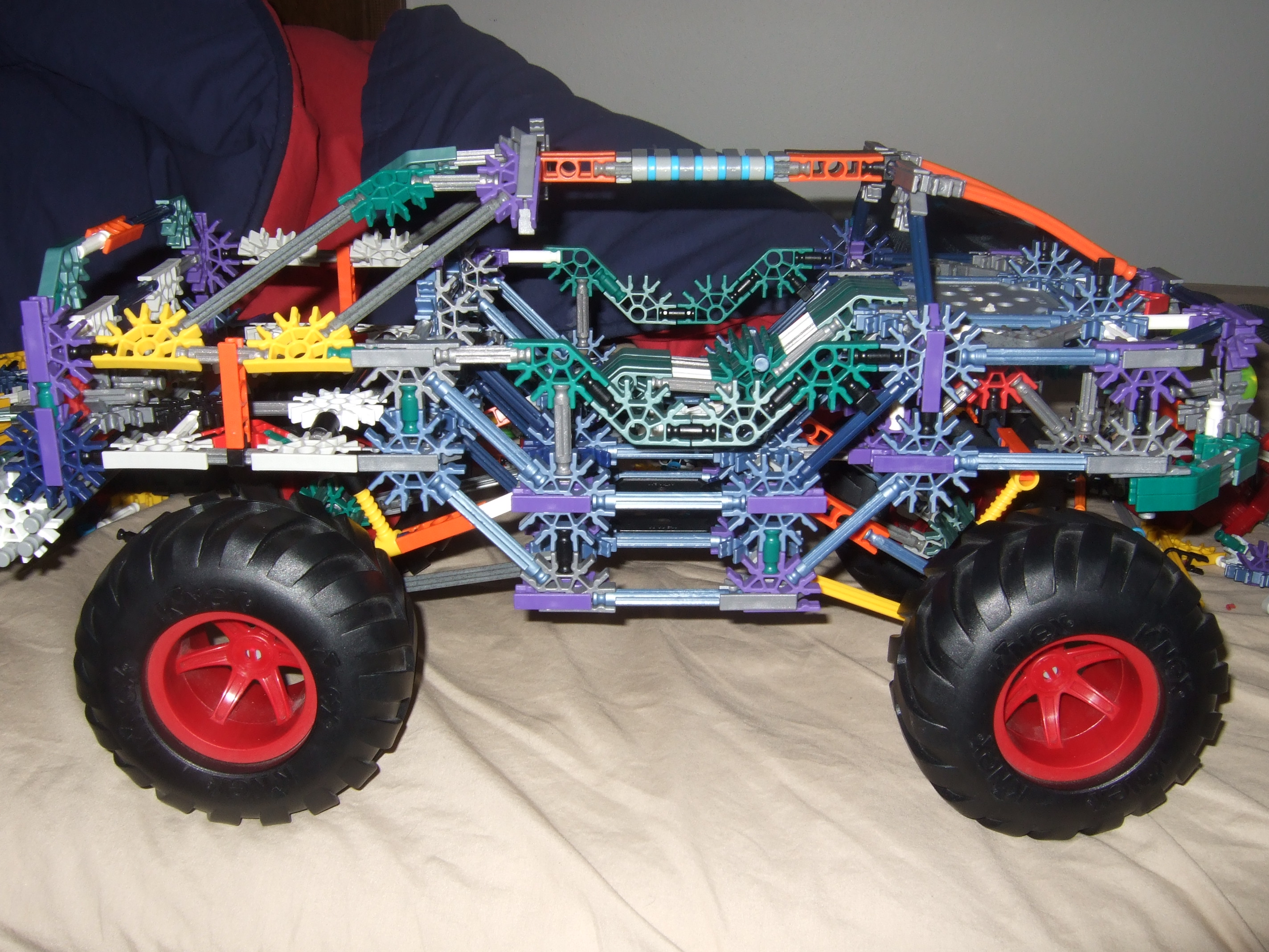 KNEX Warthog (from Halo 1-3)