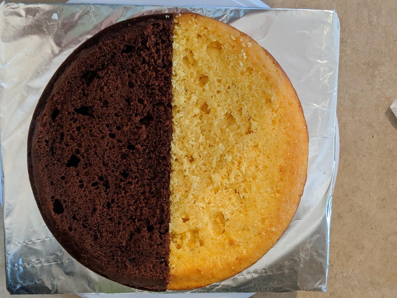 Two Flavor (Half & Half) Round Cake