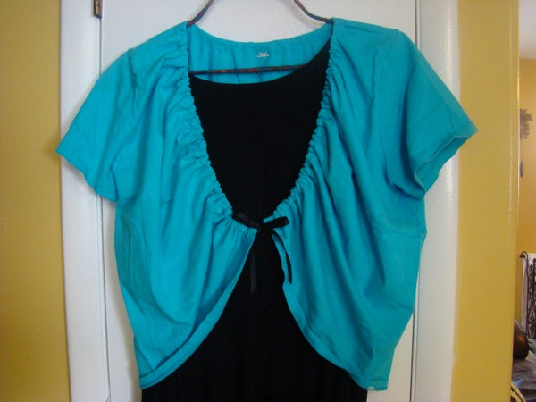 How to Turn a T-shirt Into a Shrug