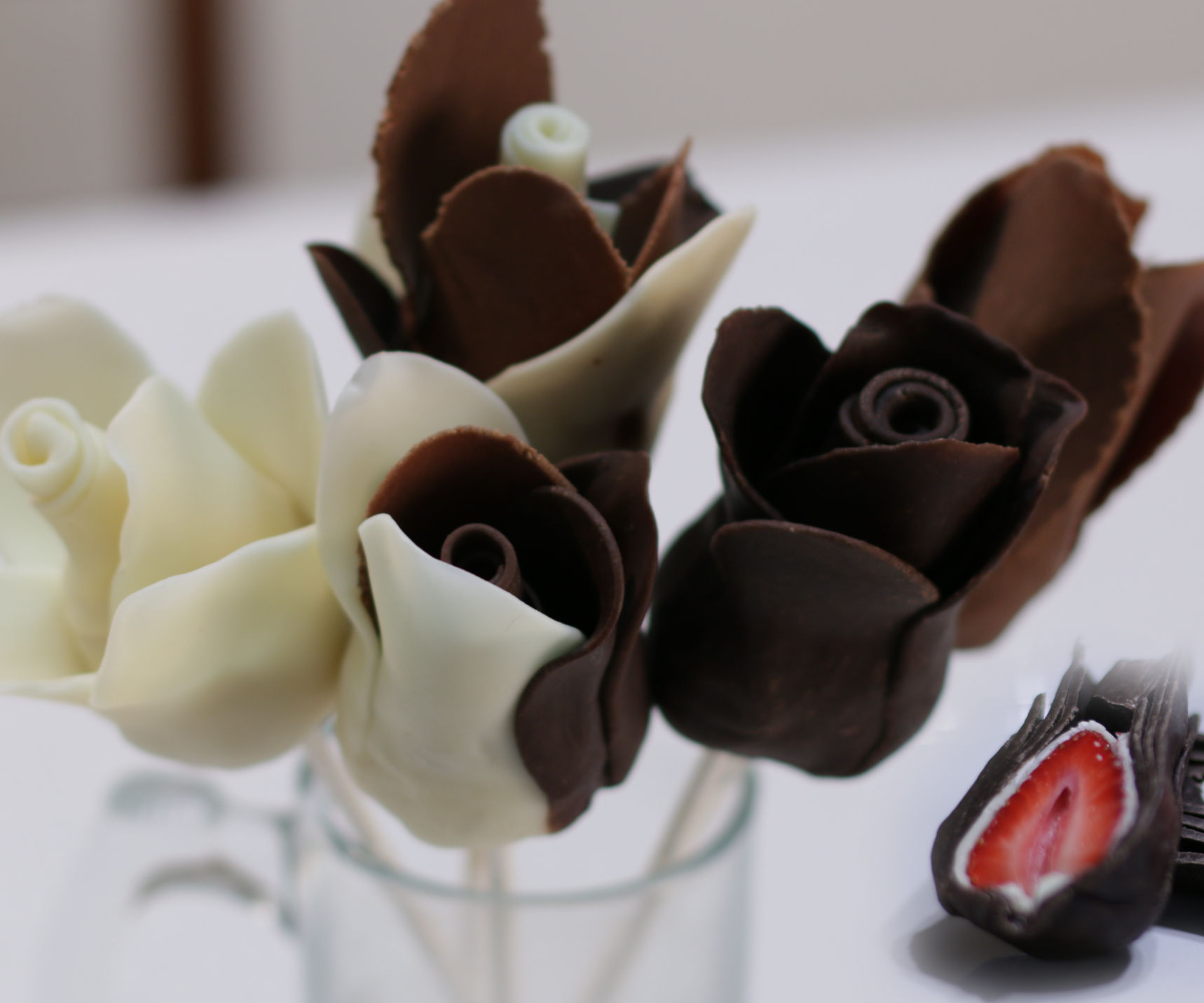 How to Make Chocolate Strawberry Roses (Perfect for Valentine's Day)