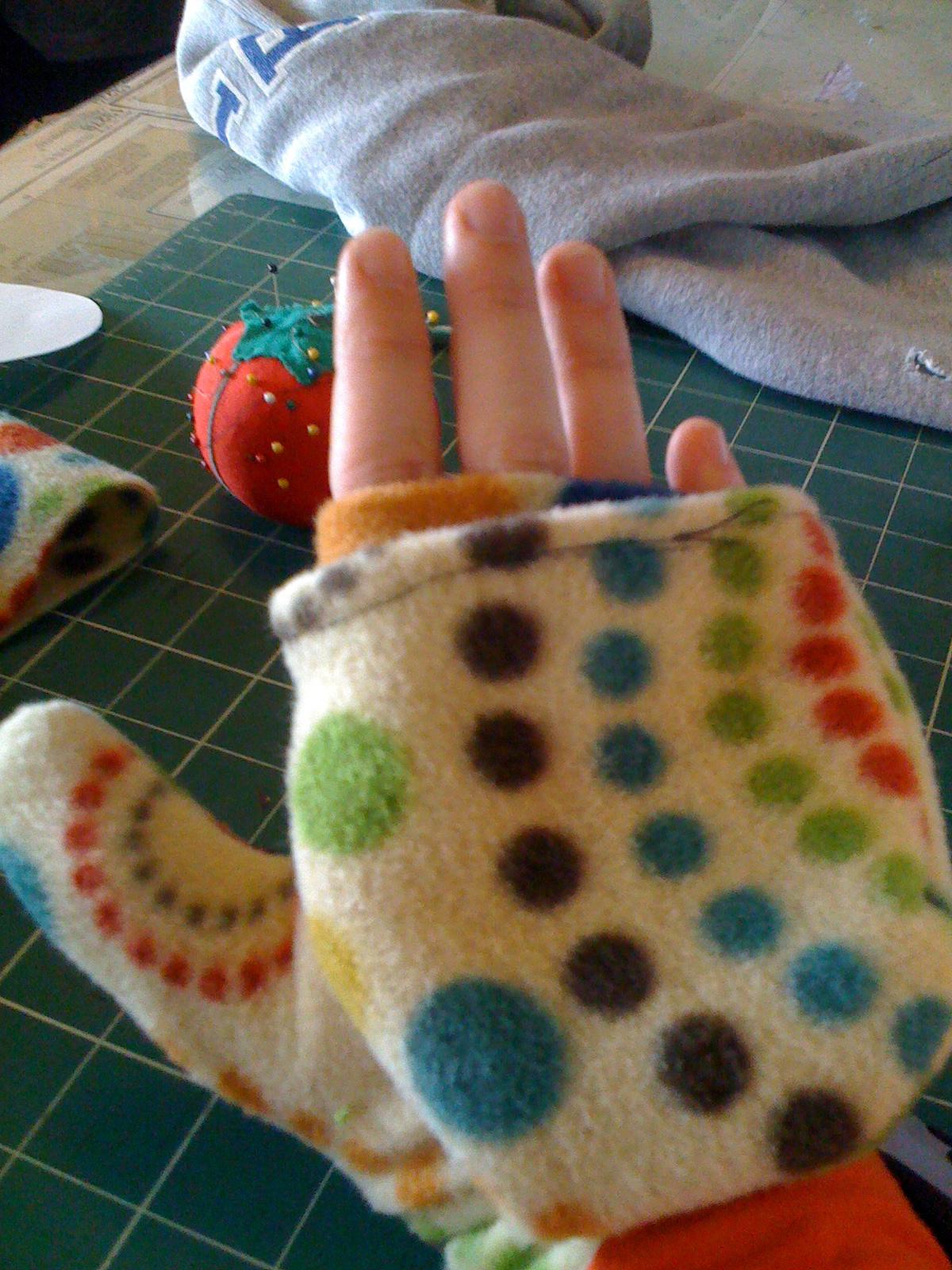 It's a glove, it's a mitten, IT'S A GLITTEN!