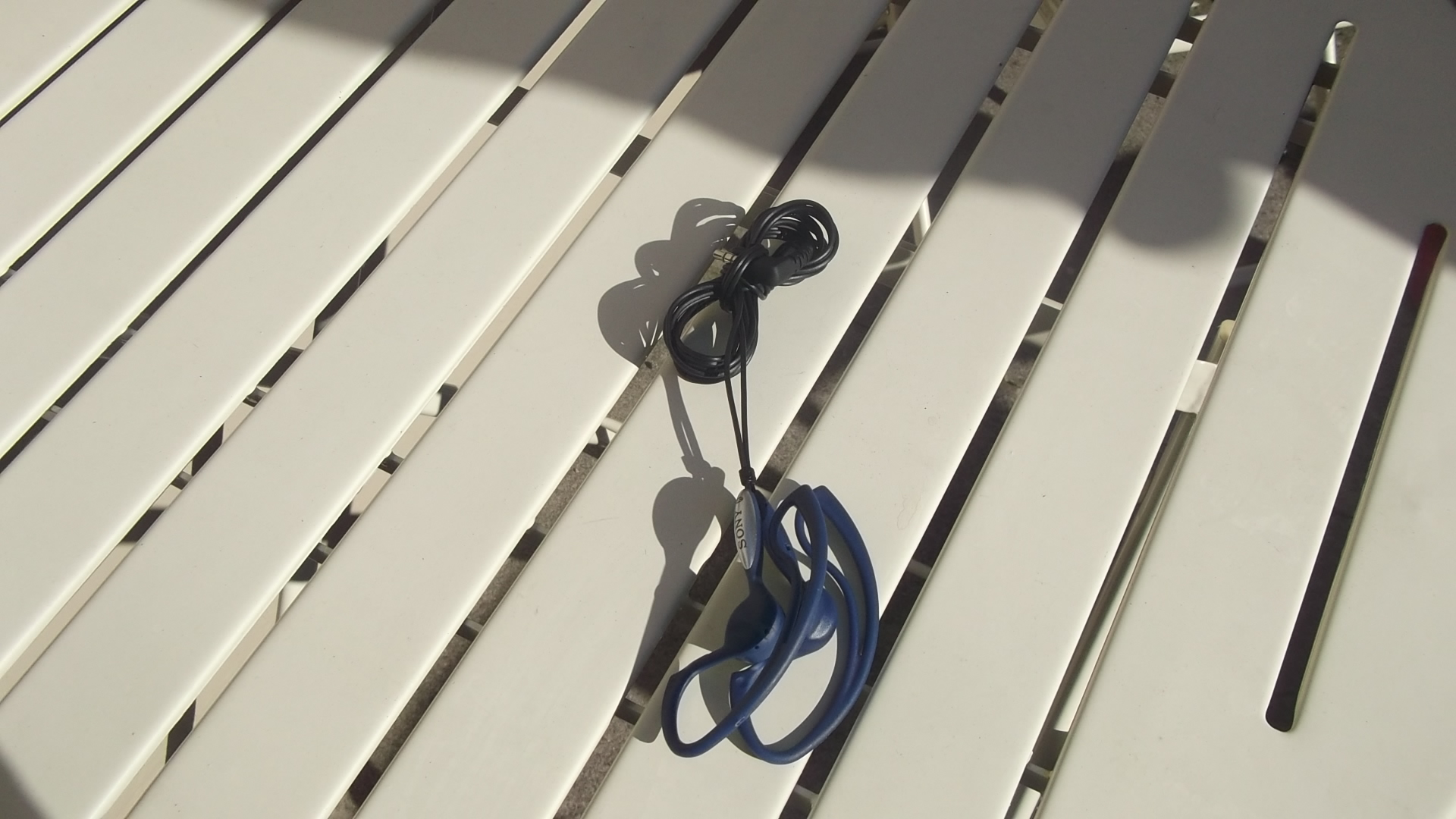 Easiest and fastest way to have untangled headphones!