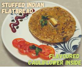 印度扁面包填充了味道花椰菜混合