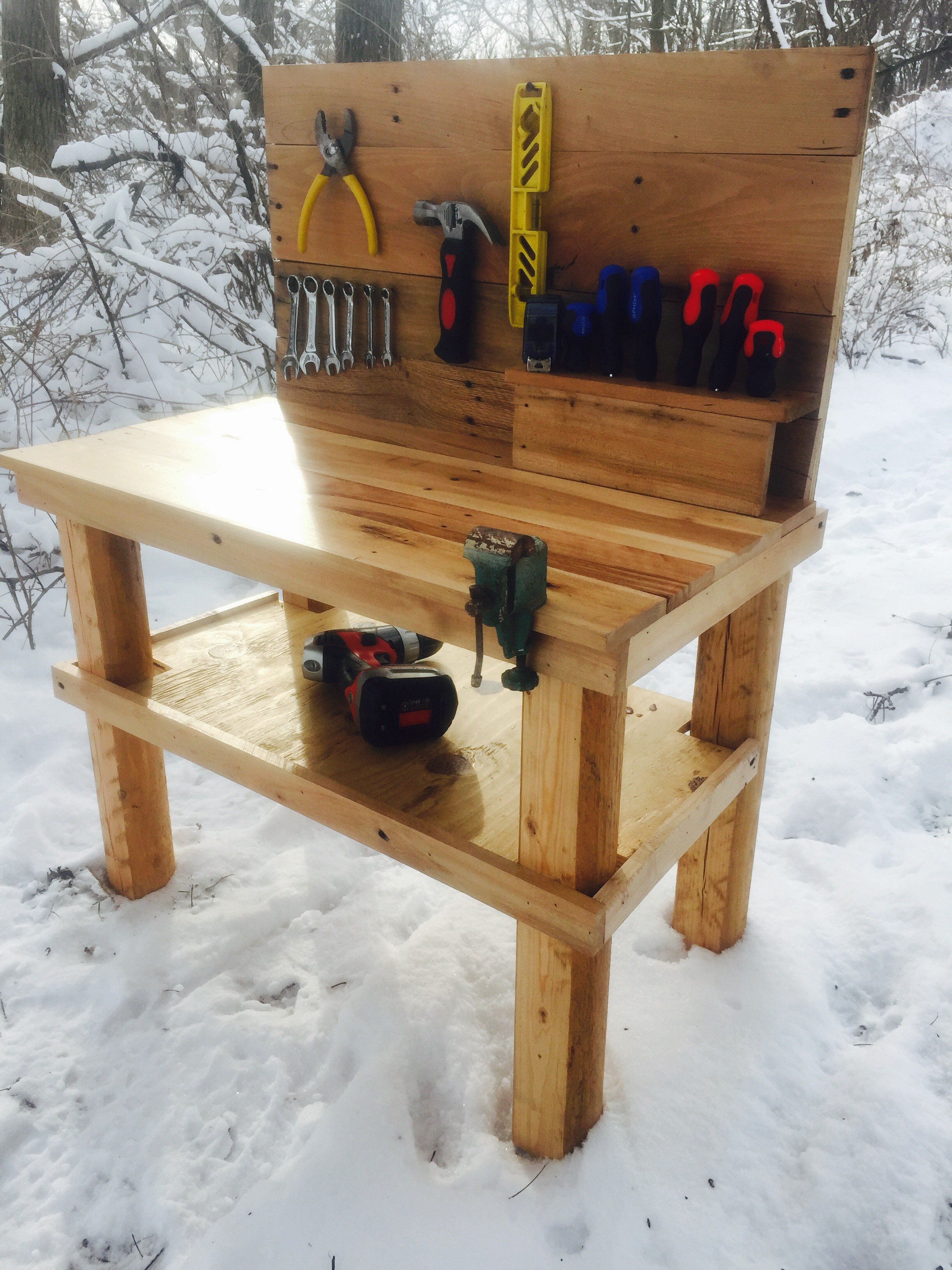 Kids Pallet Workbench