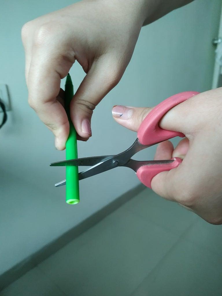 Cutting a Sketch Pen .