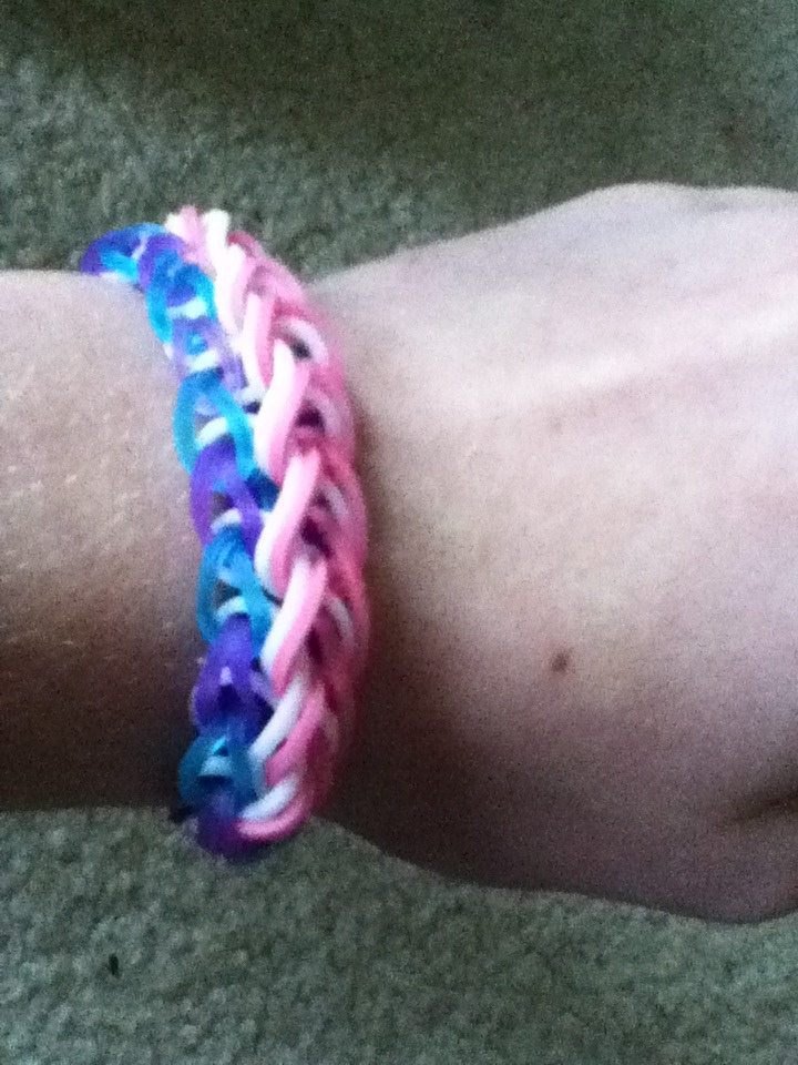 How To Make The Raindrop Rainbow Loom Bracelet