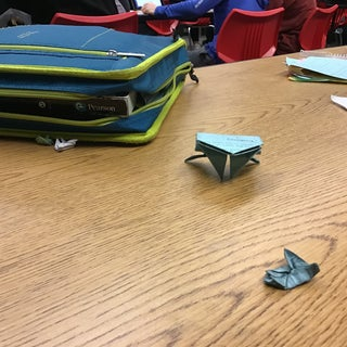 Giant Paper Frog (Jumps at 20 Meters)