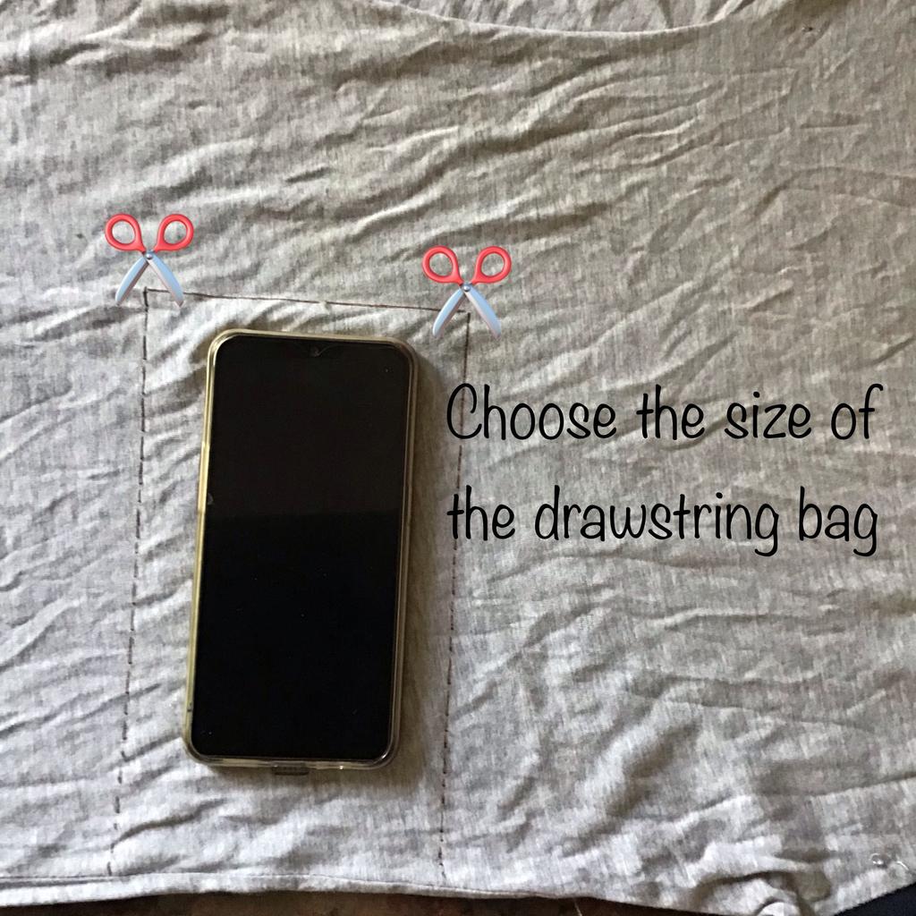Old T-shirt to Drawstring Bags(No Sew)