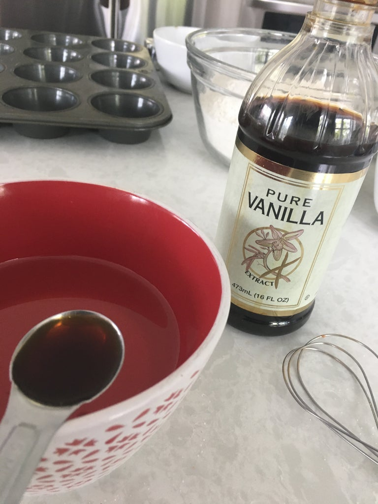 Combine Teaspoon Vanilla and 1 Cup of Oil in a Small Bowl