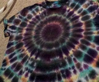 Rad Resist Dyeing - Tye Dyeing a Black-hole
