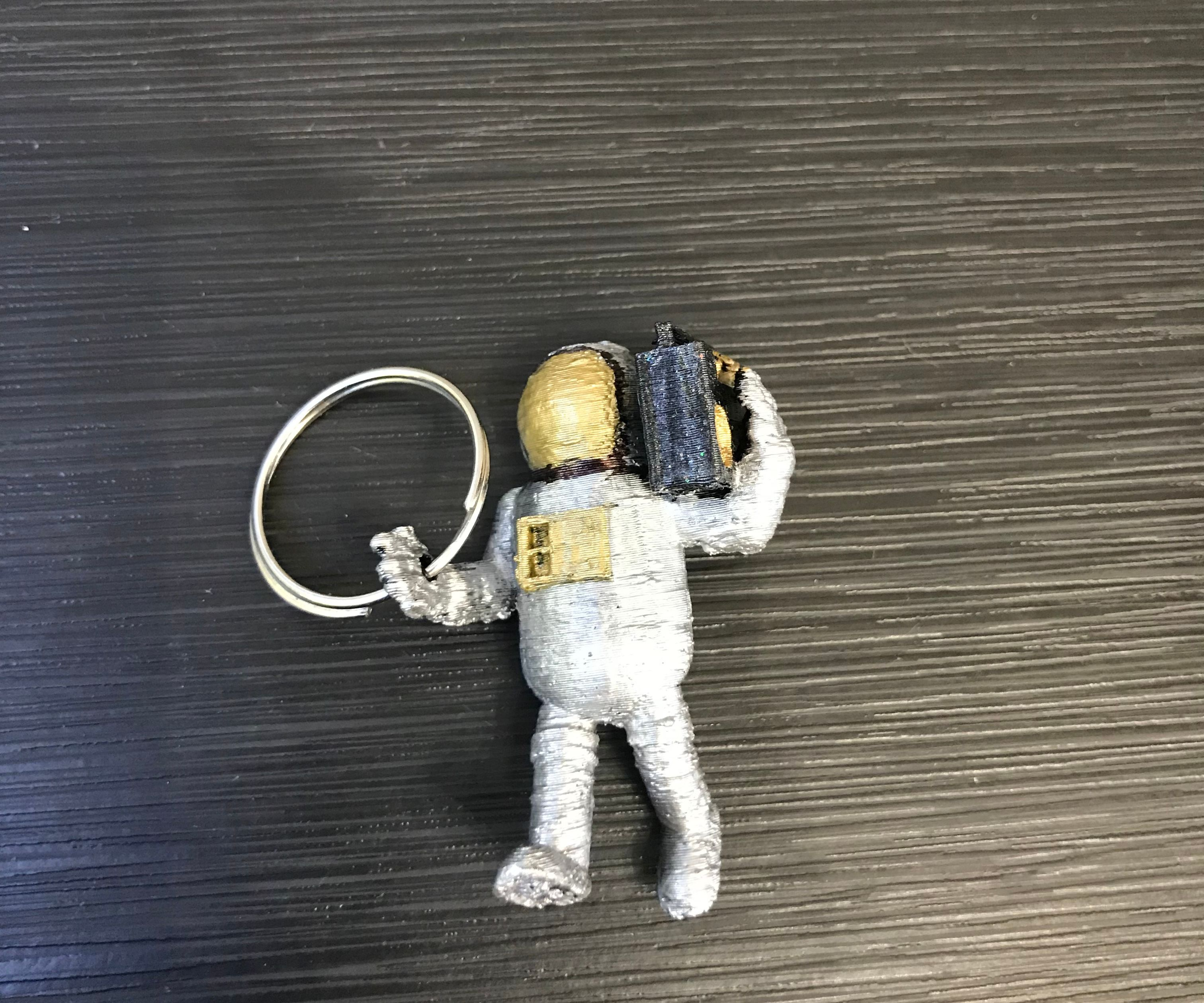 3D Printed Astronaut Keychain (How to Make an Existing 3D Print Into a Keychain)