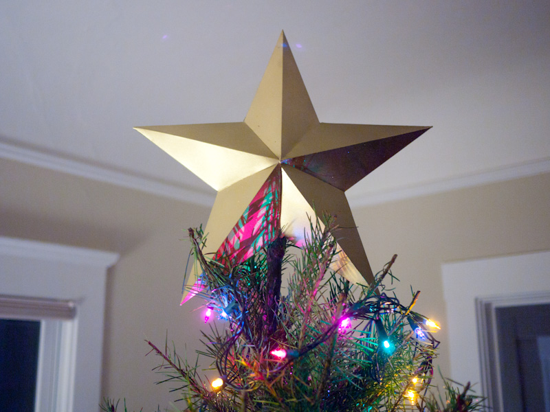 Paper Gold Star Tree Topper