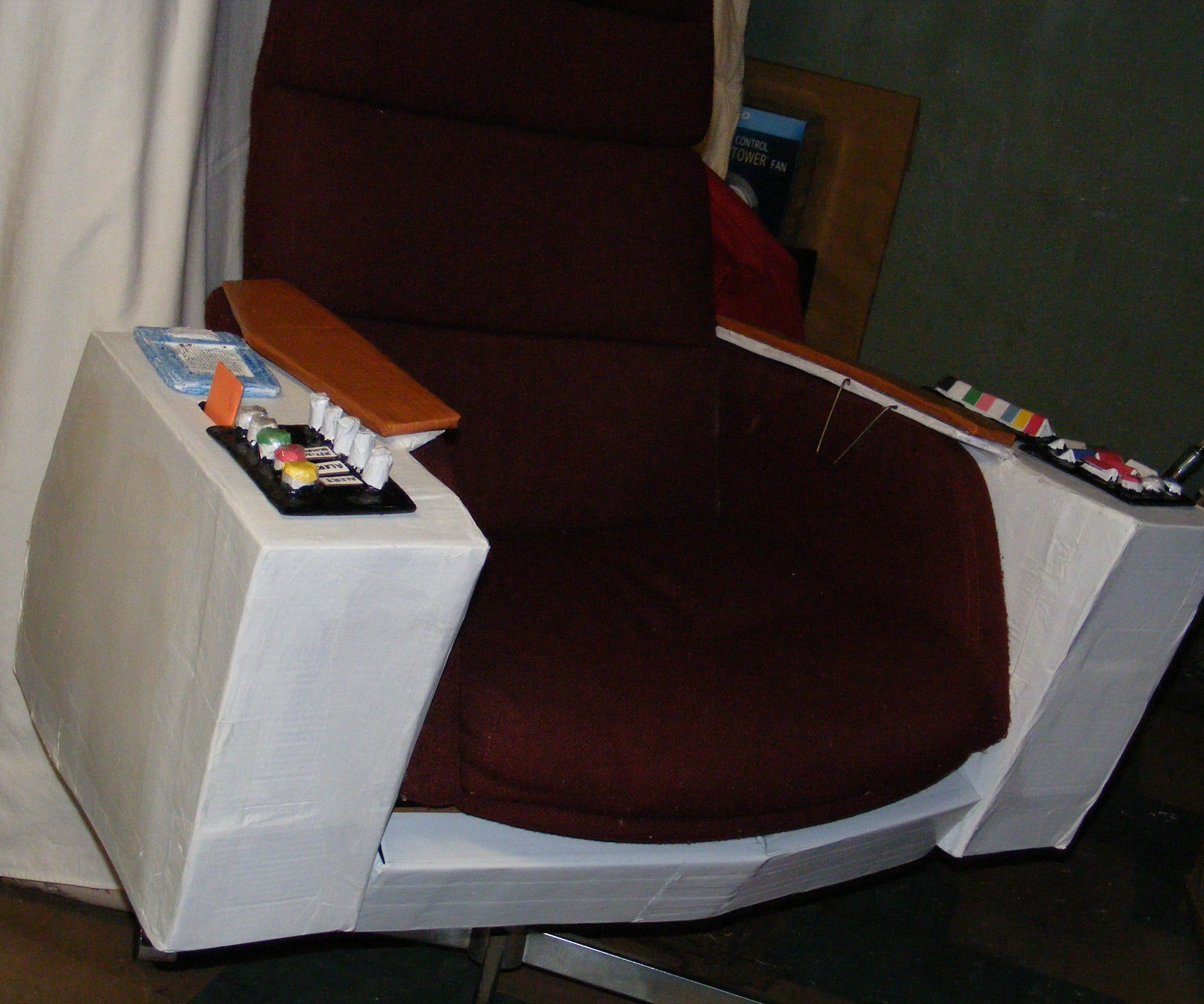 gmjhowe's Manager's Command and Control Seat of Righteousness (Captain Kirk's Chair)