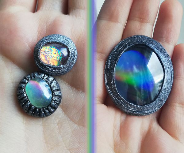 Holographic Gemstones From CDs