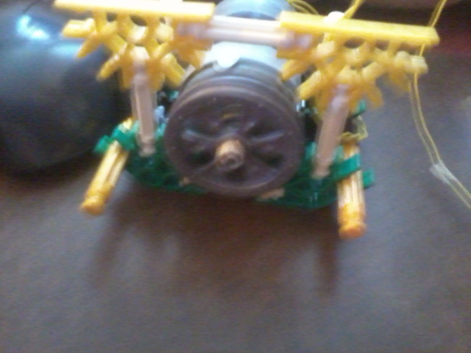 Build your own K'nex motor