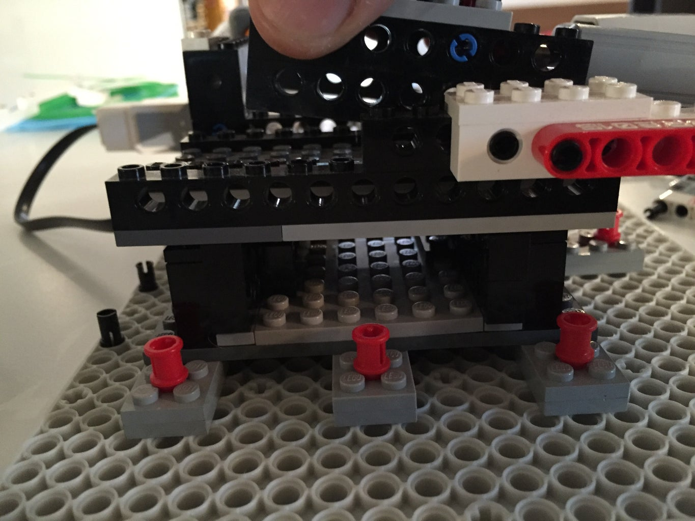 The X, Y, Plateforms Moved by LEGO Linear Actuator