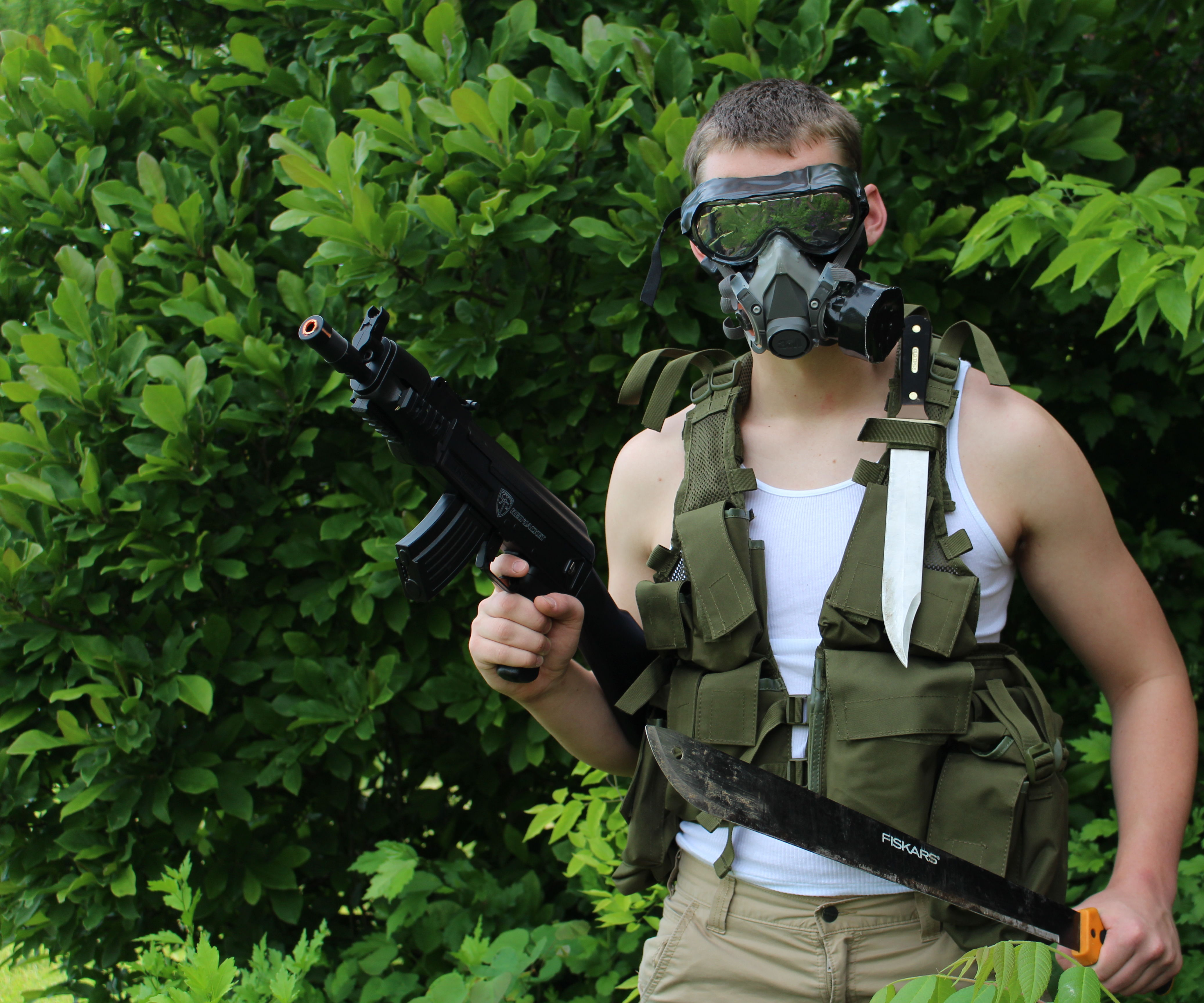 Homemade M40 Gas Mask that works, using spare parts