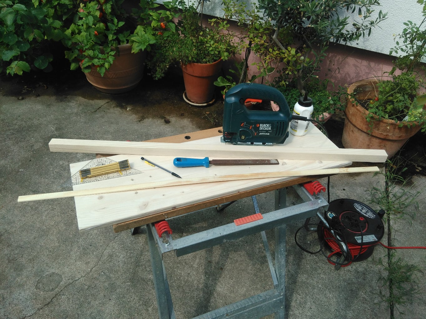 Building the Basic Platform (1/2) - Cutting the Parts