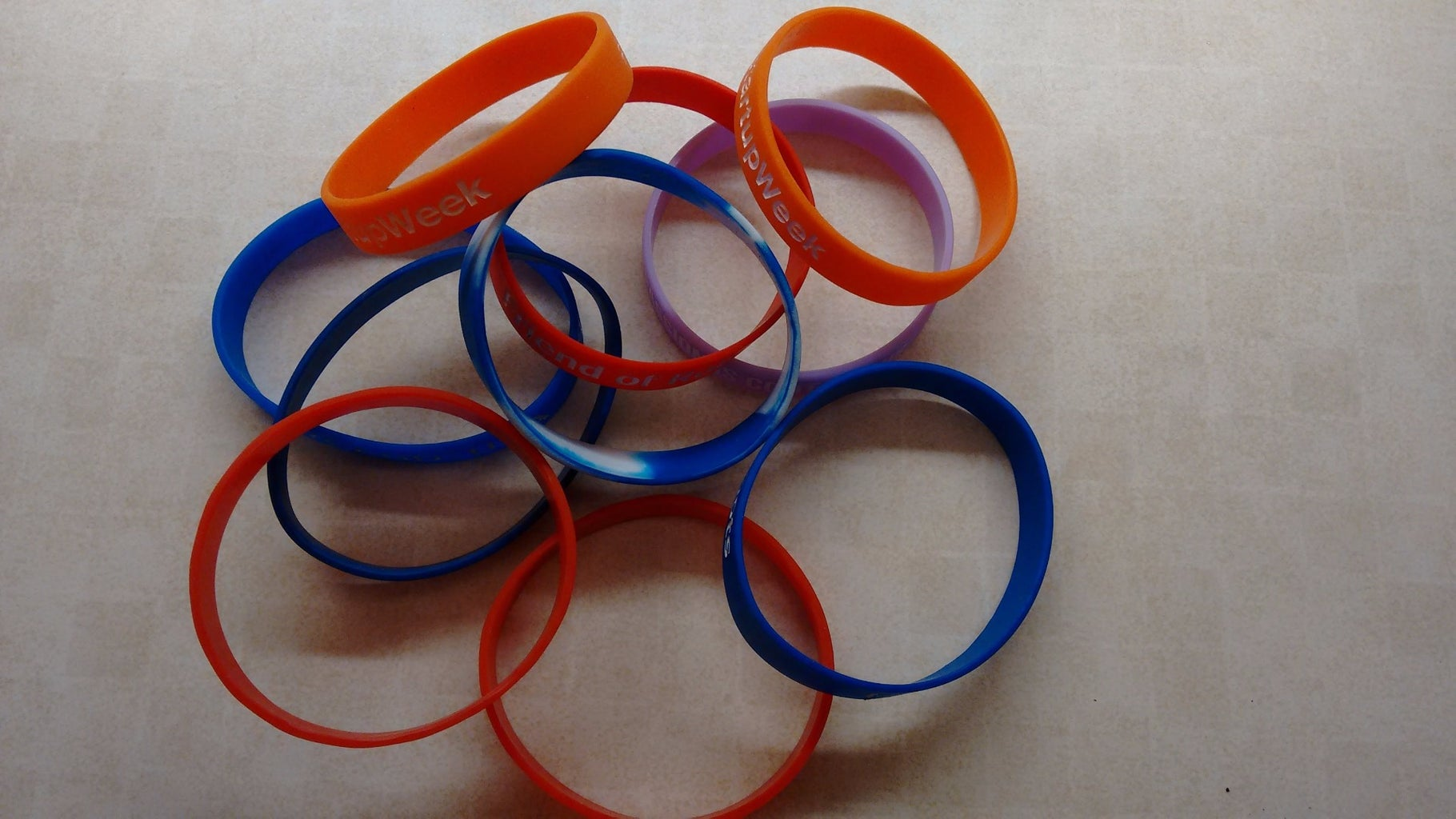Itty-Bitty Bungees: Making Mini-Shock Cord From Rubber Wristbands