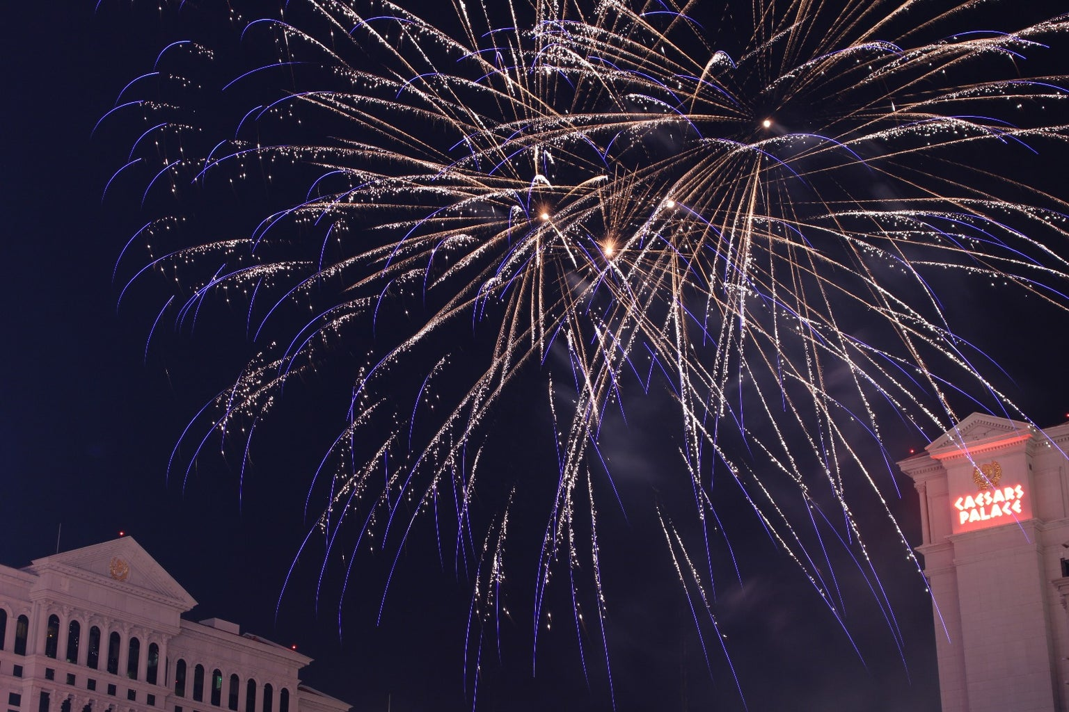 Firework Photography: the Diary of an Amateur