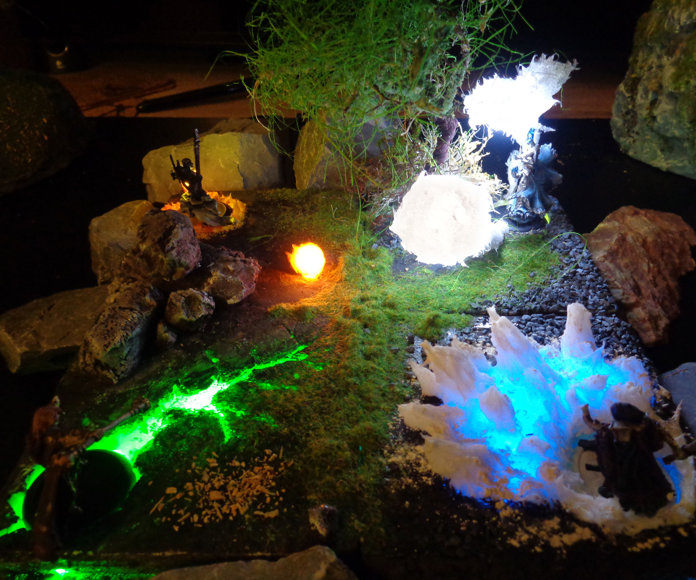 Elementalists at war (easy silicone/LED diorama)