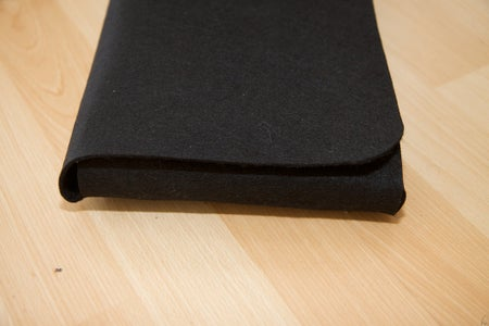 Make Your Own Nice Felt EeePC / Netbook Pouch for About $ 8 (and Save $ 91 Instead of Buying From Redmaloo)