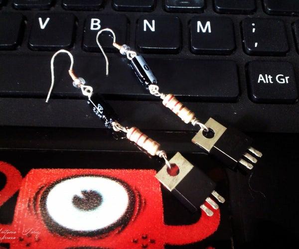 Aretes DIY Con Desechos Electrónicos Y Otros Materiales.