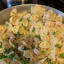 Chicken, Garlic ,Peas &Pasta Dish