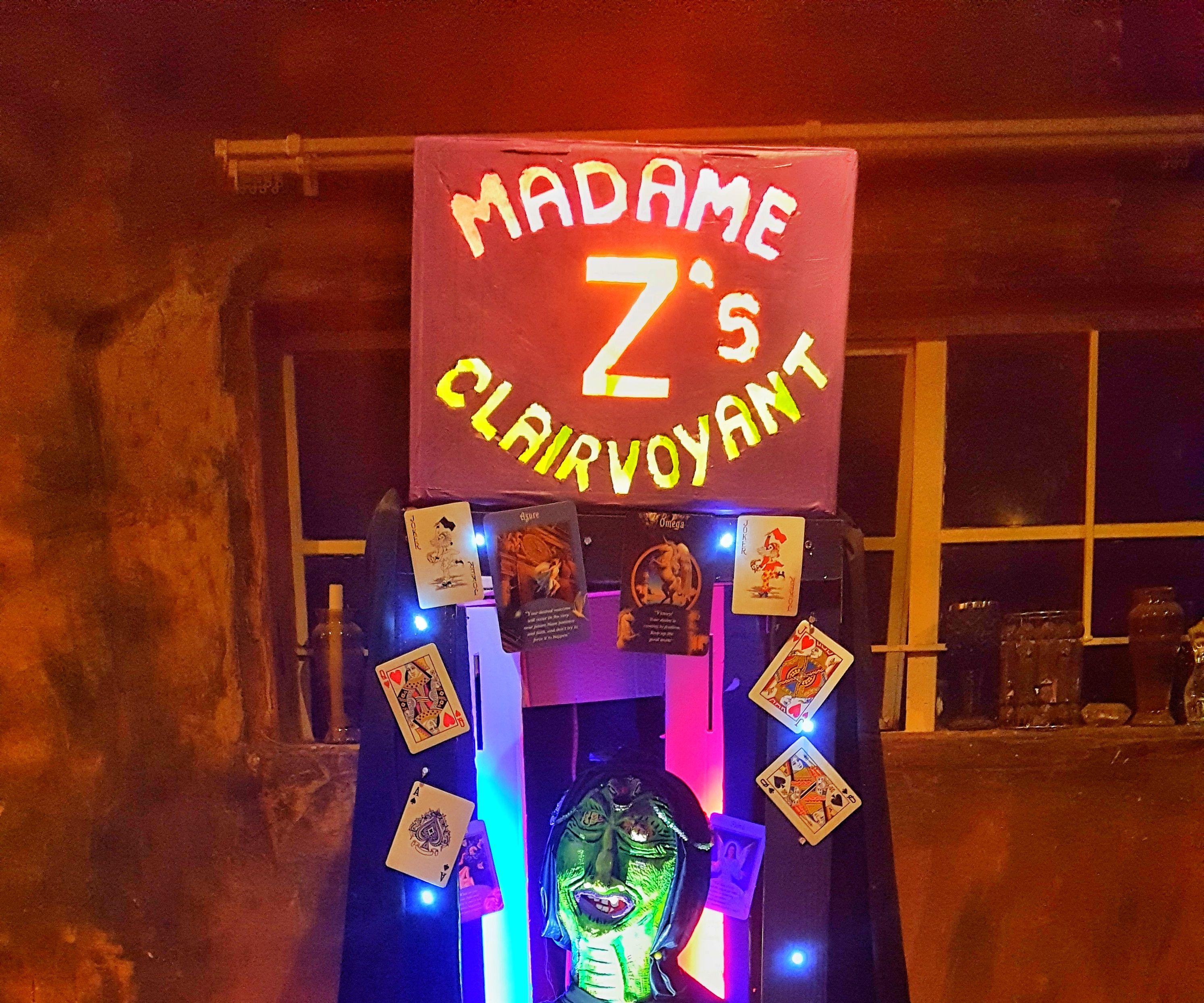 Mechanical Clairvoyant Halloween Pop