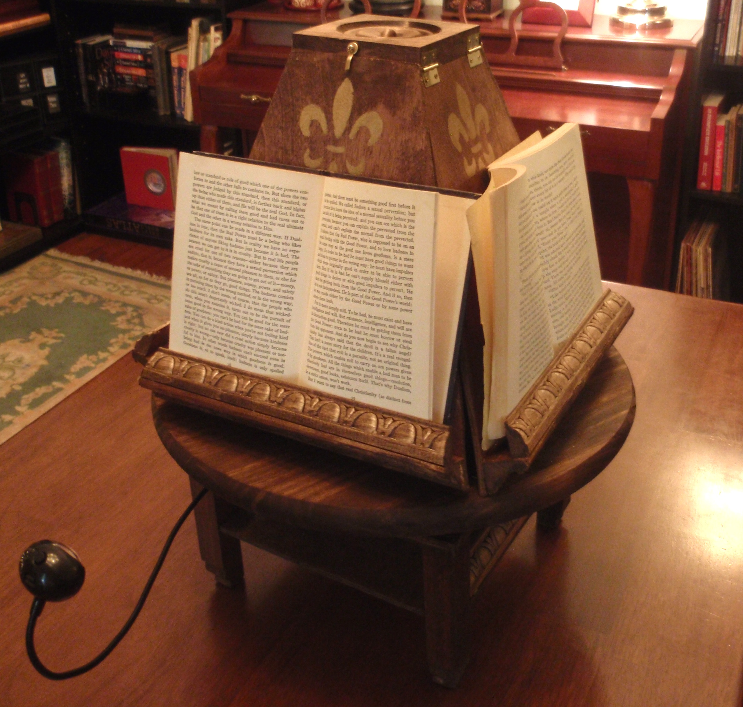 Medieval Book Turntable