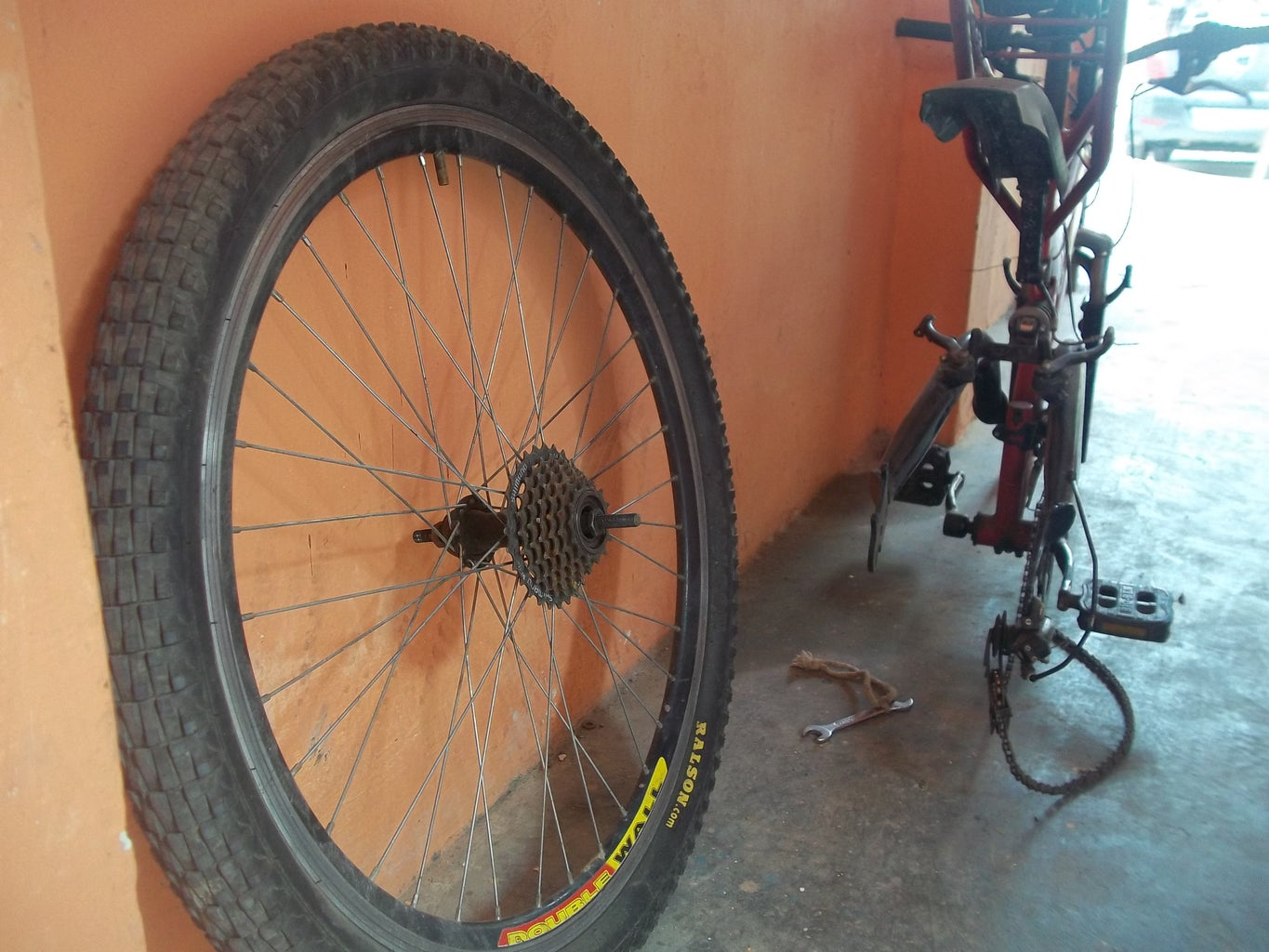 Repainting Old Bicycle Tire