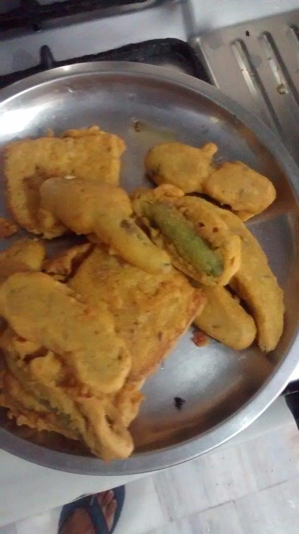 How to Make Mirchi Pakoda ( Stuffed Green Chilli Fritters)