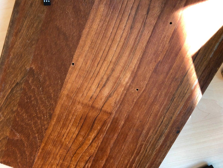 Gaten in Plank En Door Kurk