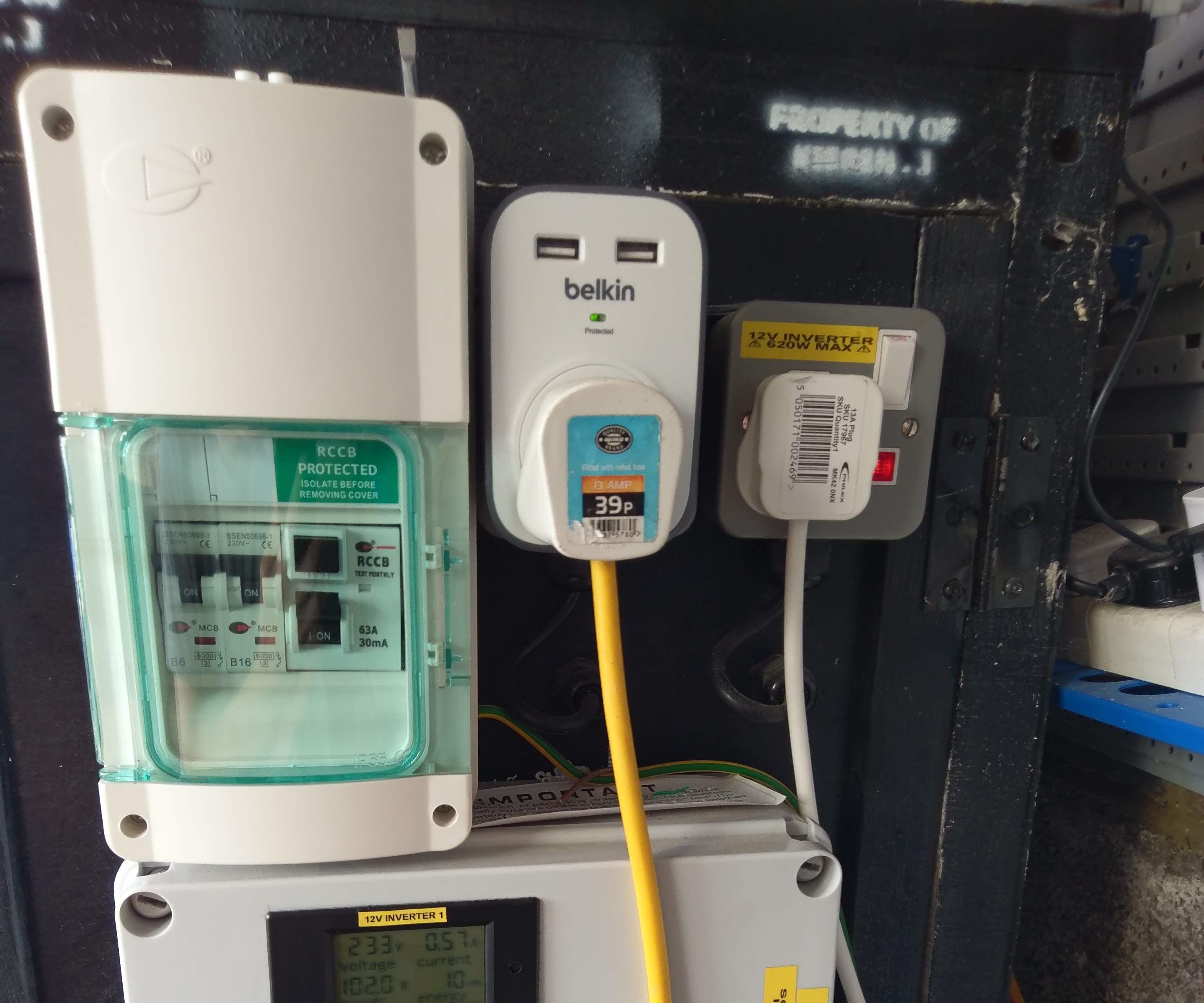 DIY Grid Tied Inverter (doesn't Feed the Grid) UPS Alternative