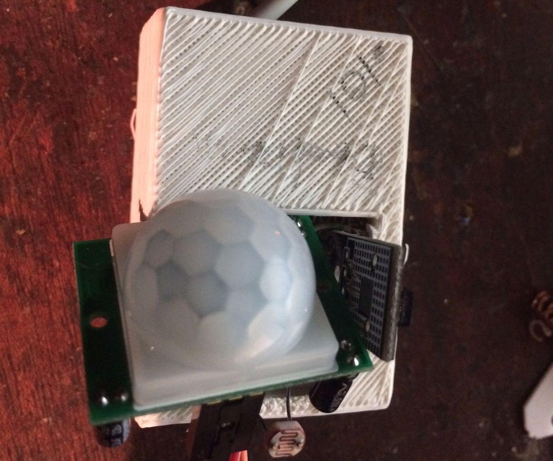 HomeKit HomeBridge Siri Enabled Arduino ESP8266 NodeMCU Based PIR Motion Sensor for HomeKit Automation