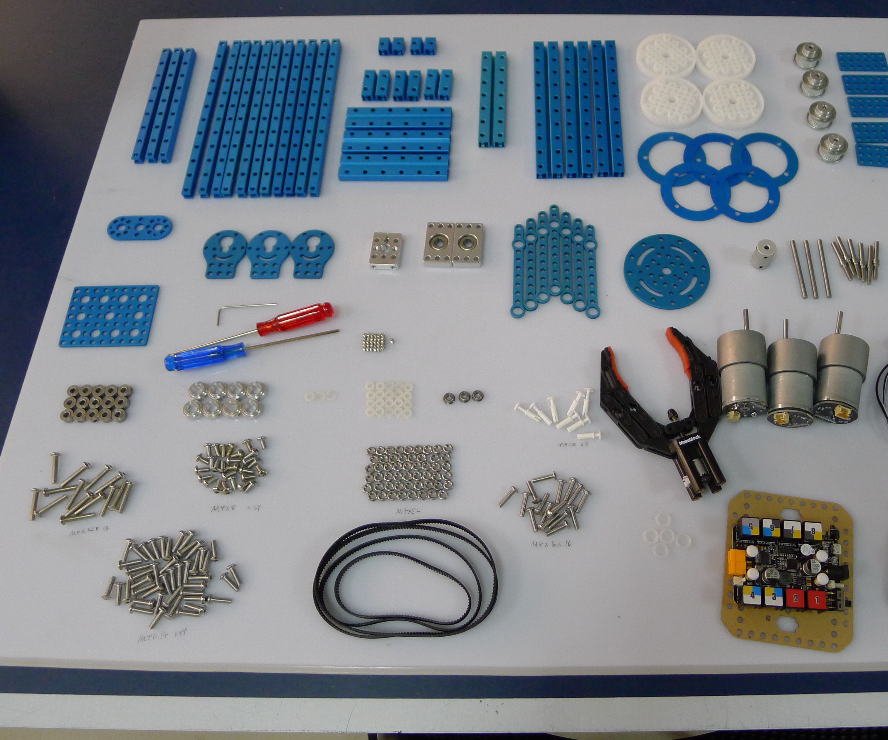 Building Robotic Arm With Makeblock Parts