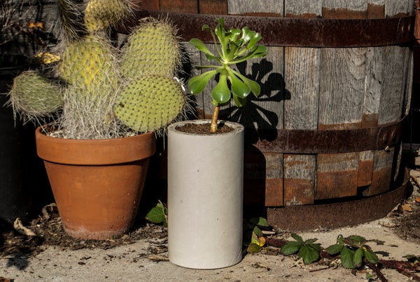 DIY CONCRETE:: Cylinders From Cardboard Tubes