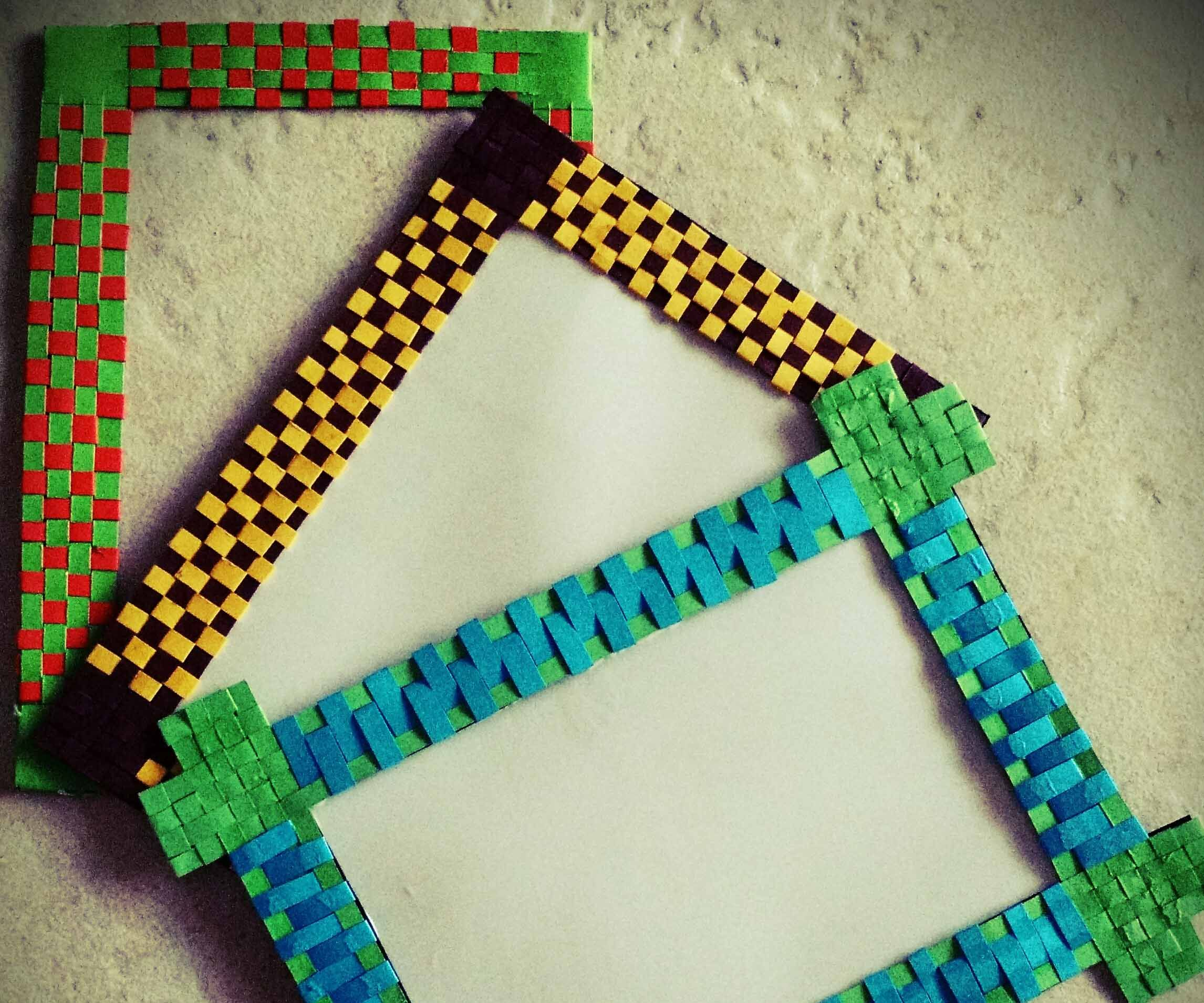 DIY Paper woven photo-frame / fridge magnet.