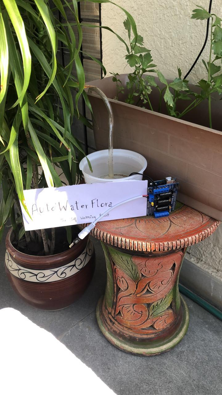 AutoWaterFlora : the Self Watering Plant