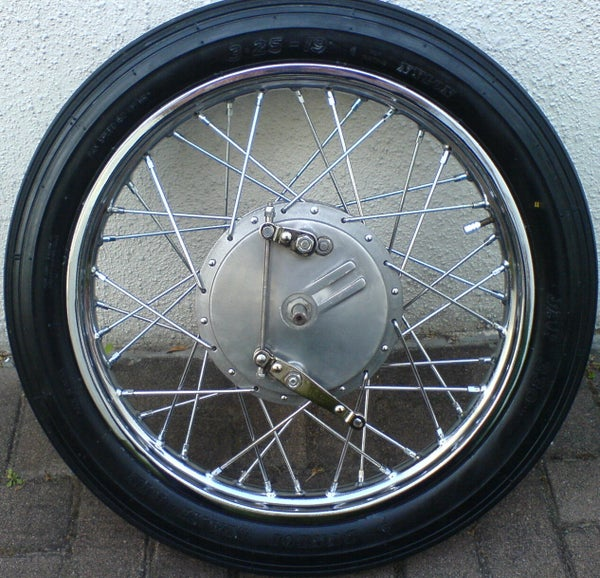 Rebuilding a Spoked Wheel for the Royal Enfield Bullet