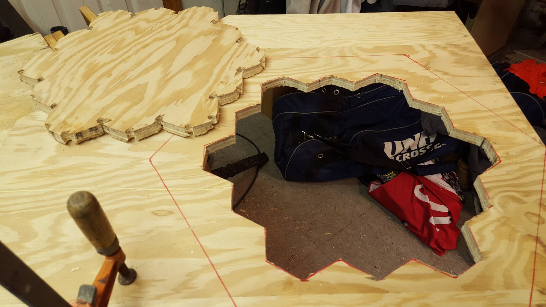 Tracing & Cutting the Border Out