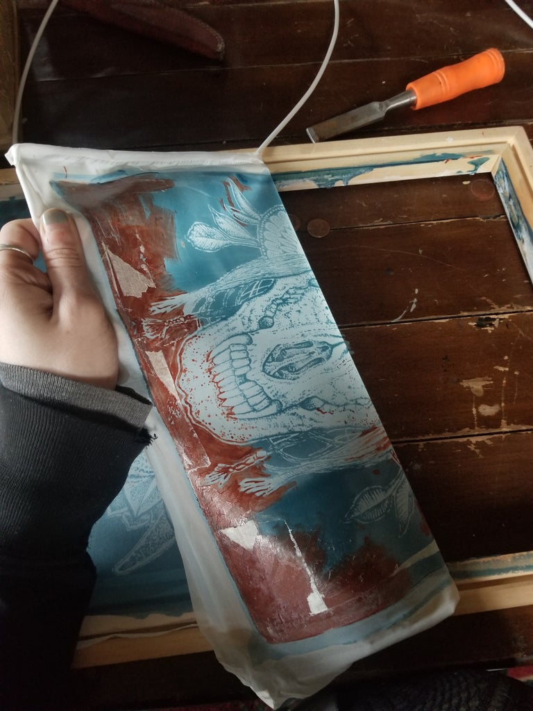 Removing the Old Screen.