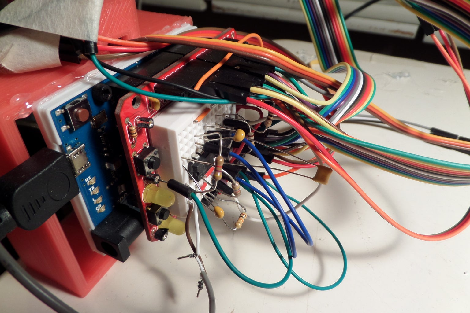 Connect the Servos and the Sensors and Build the Circuit