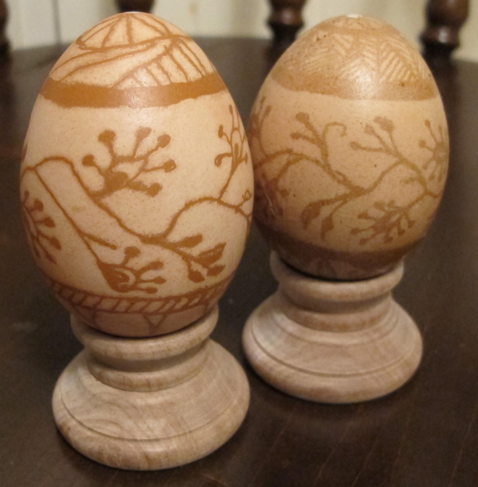 Making Wax-resist Eggs (Pysanky) in Soft Brown Shades