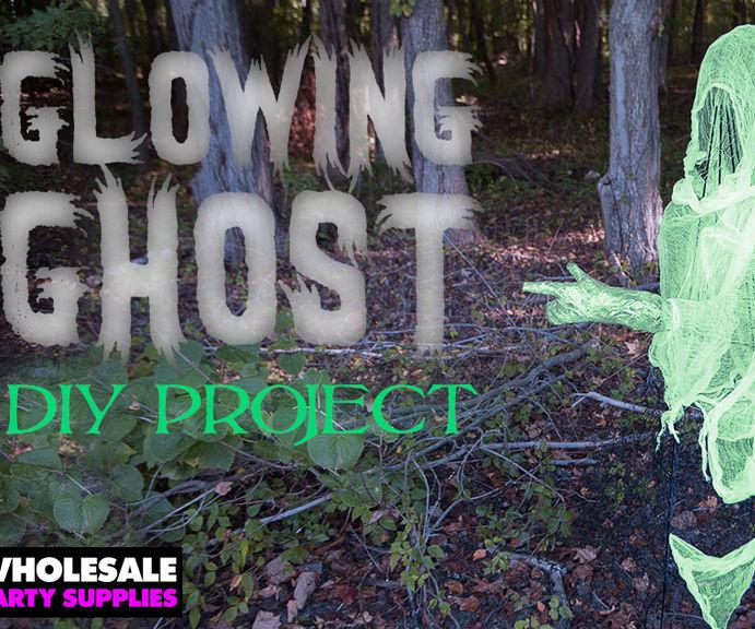DIY Chicken Wire Ghosts